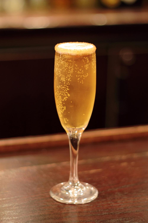 Sparkling Cinnamon Apple cocktail – Vegas24Seven.com